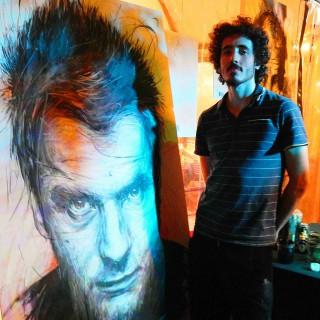 frédéric michel-langlet pendant l'expositions au batofar à paris