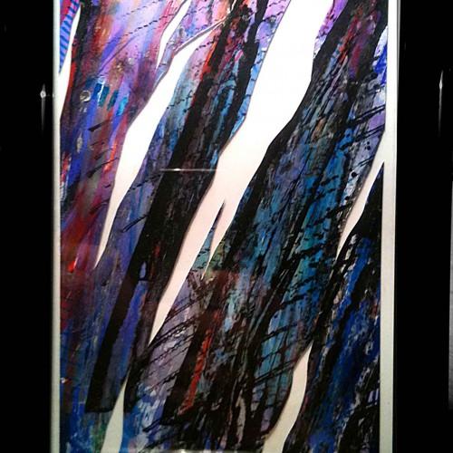 tableau excursion abstrait avec des couleurs violacées