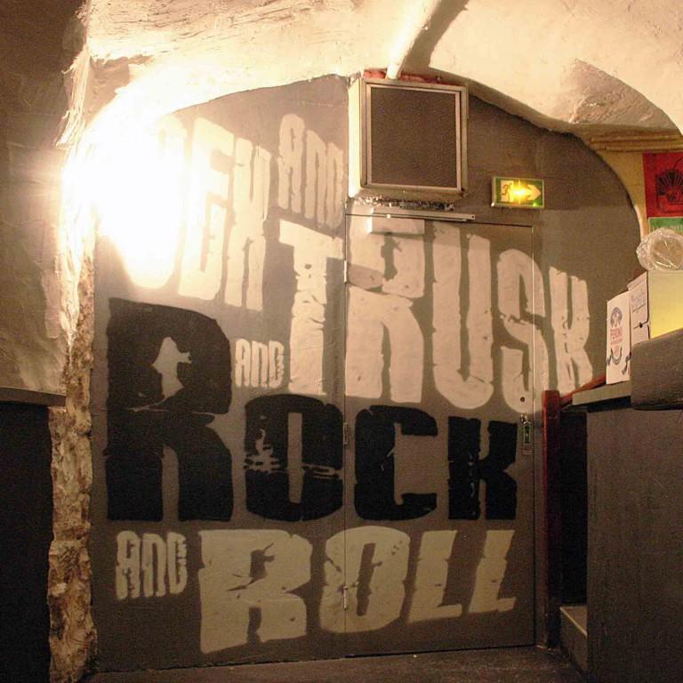 fresques du truskel microklub d'un mur