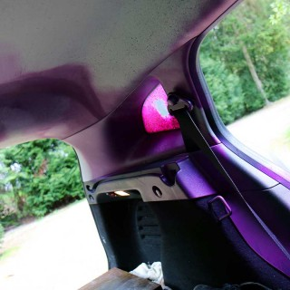 explosion d'une bombe de peinture dans la voiture pendant l'expositions au festival le court à altkirch