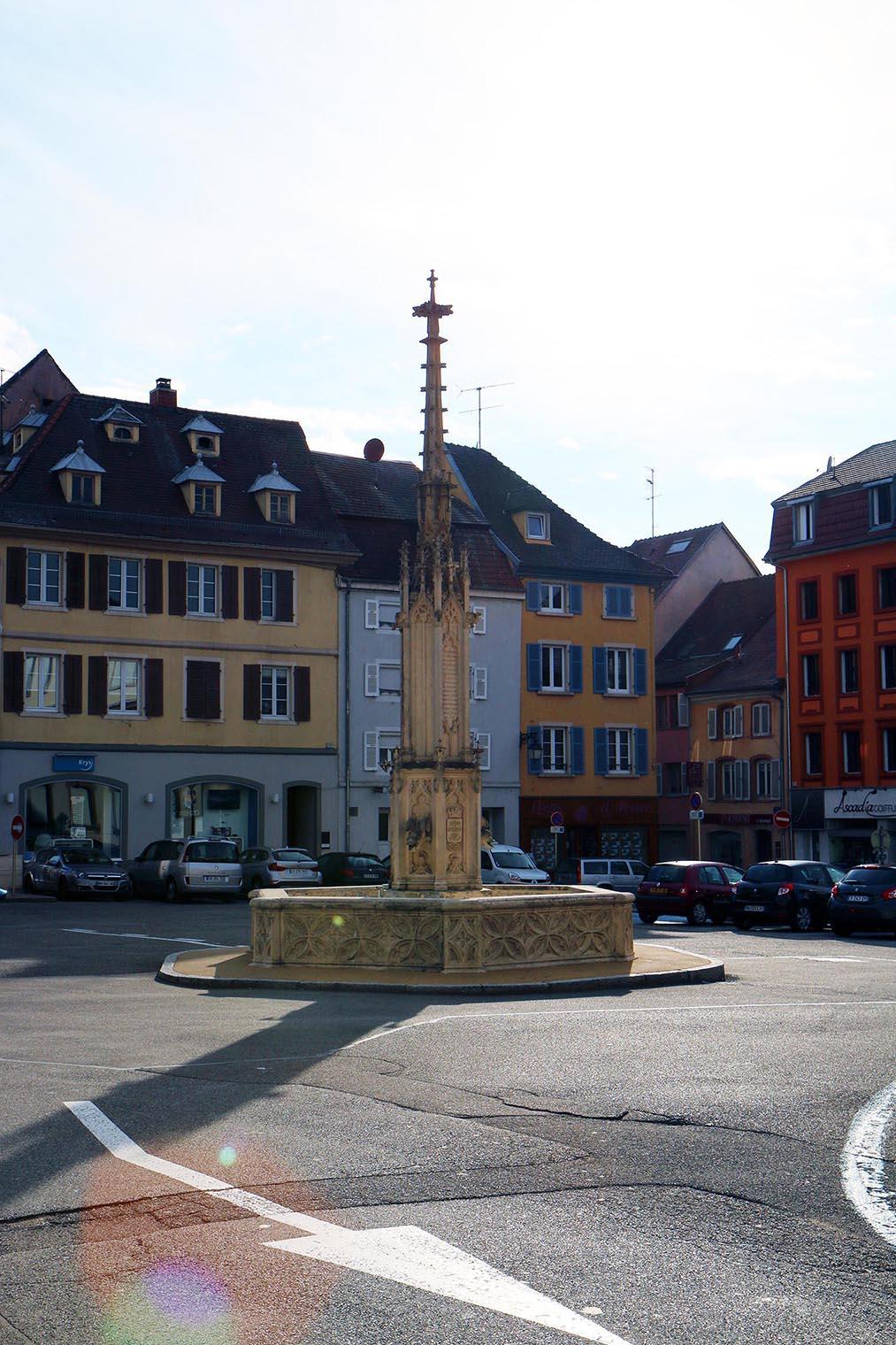 fontaine d'altkirch pendant l'expositions au festival le court en alsace