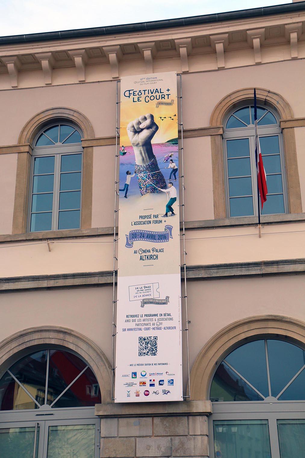 banderole de l'expositions pendant le festival le court d'altkirch en alsace