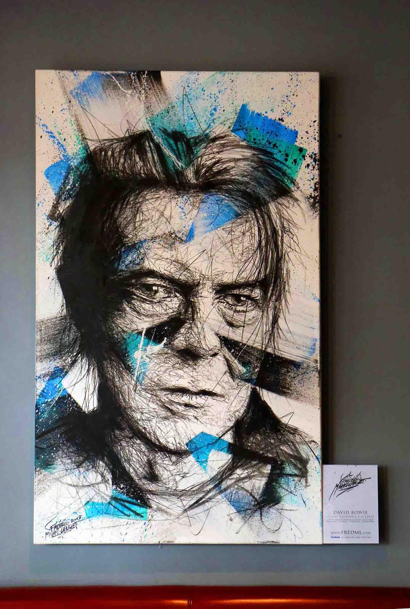 portrait david bowie à l'expositions histoire 2 à chantilly