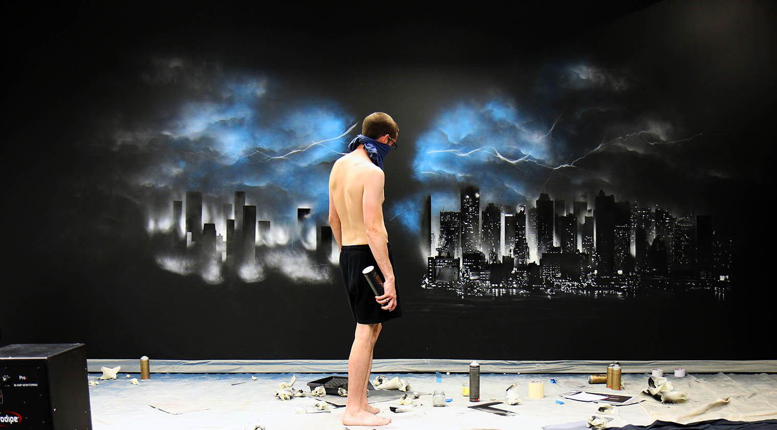 Ambiance de la fresque pendant la réalisation à barcelone dans les bureaux de dragon investors